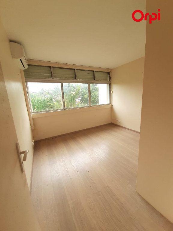 Appartement à vendre 4 131m2 à Fort-de-France vignette-8