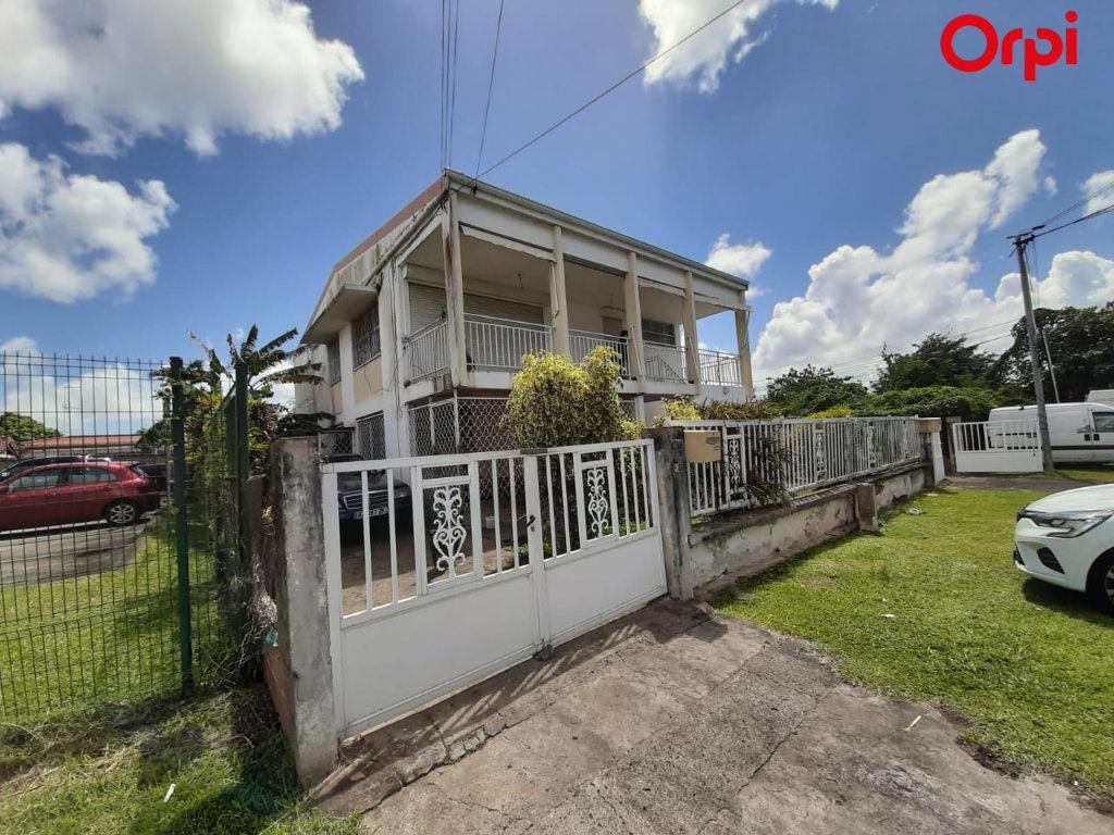 Maison à vendre 8 181m2 à Fort-de-France vignette-1
