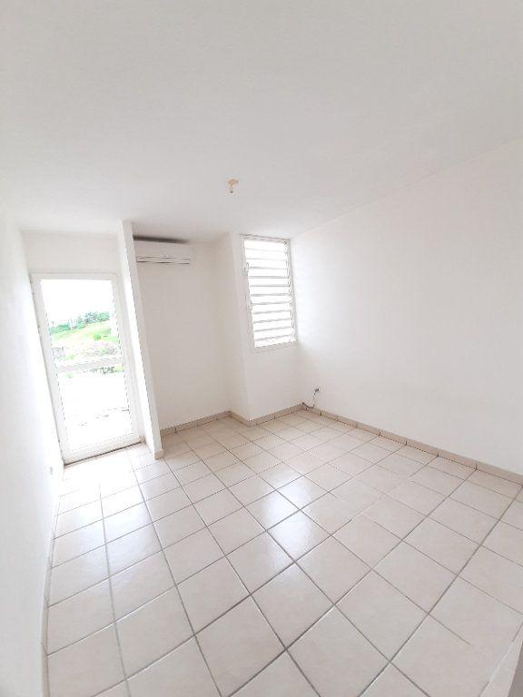 Appartement à vendre 3 59.84m2 à Le Robert vignette-3