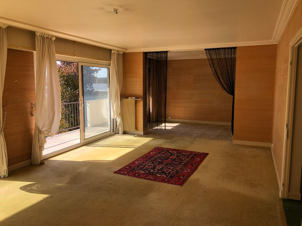 Appartement à vendre 6 131.65m2 à Troyes vignette-2