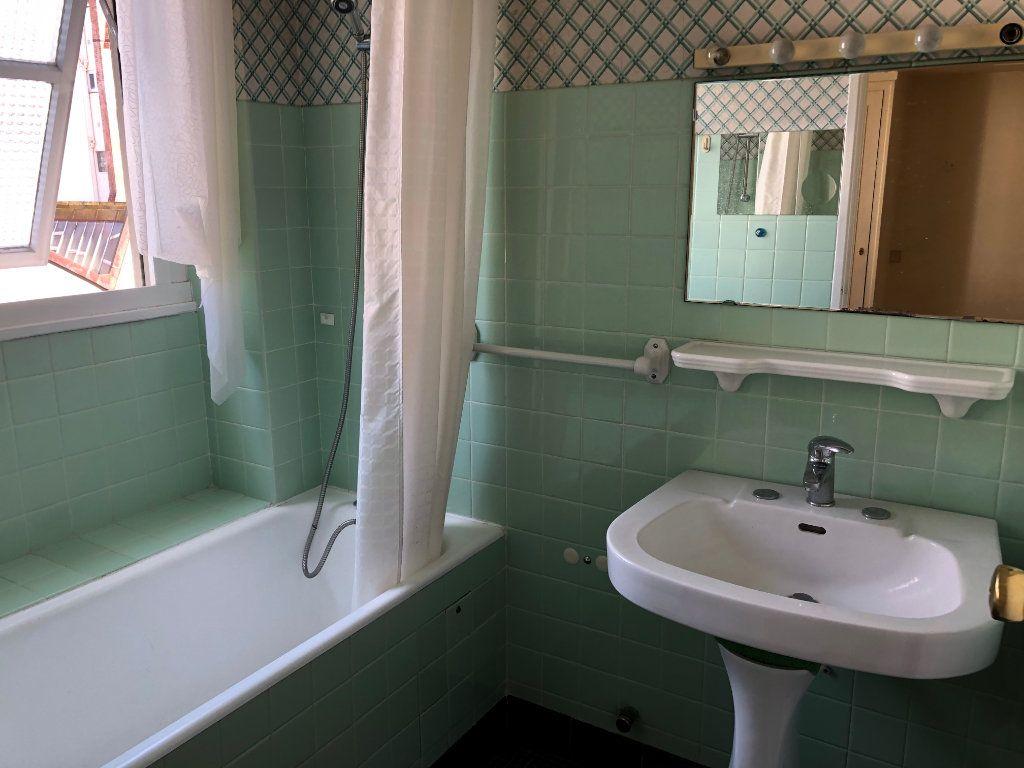Appartement à vendre 6 131.65m2 à Troyes vignette-10