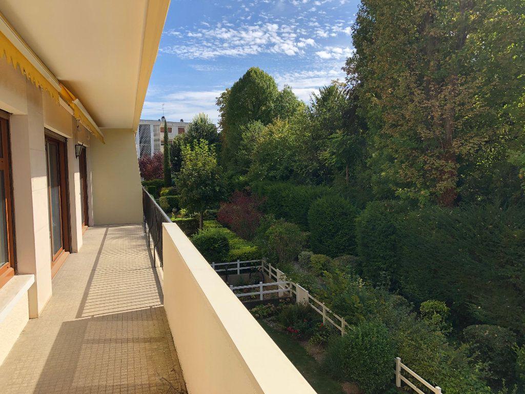 Appartement à vendre 6 131.65m2 à Troyes vignette-12
