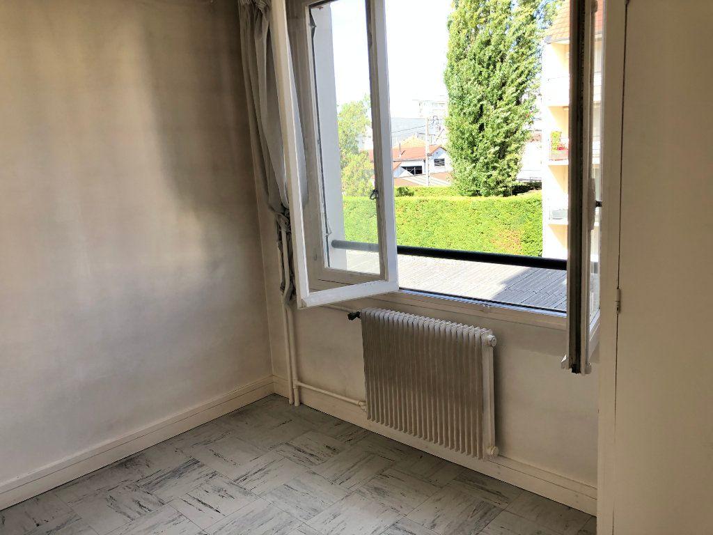 Appartement à vendre 6 131.65m2 à Troyes vignette-13