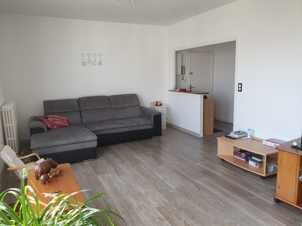Appartement à vendre 5 89m2 à Saint-André-les-Vergers vignette-1