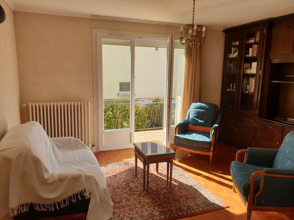 Maison à vendre 6 120m2 à Saint-André-les-Vergers vignette-4