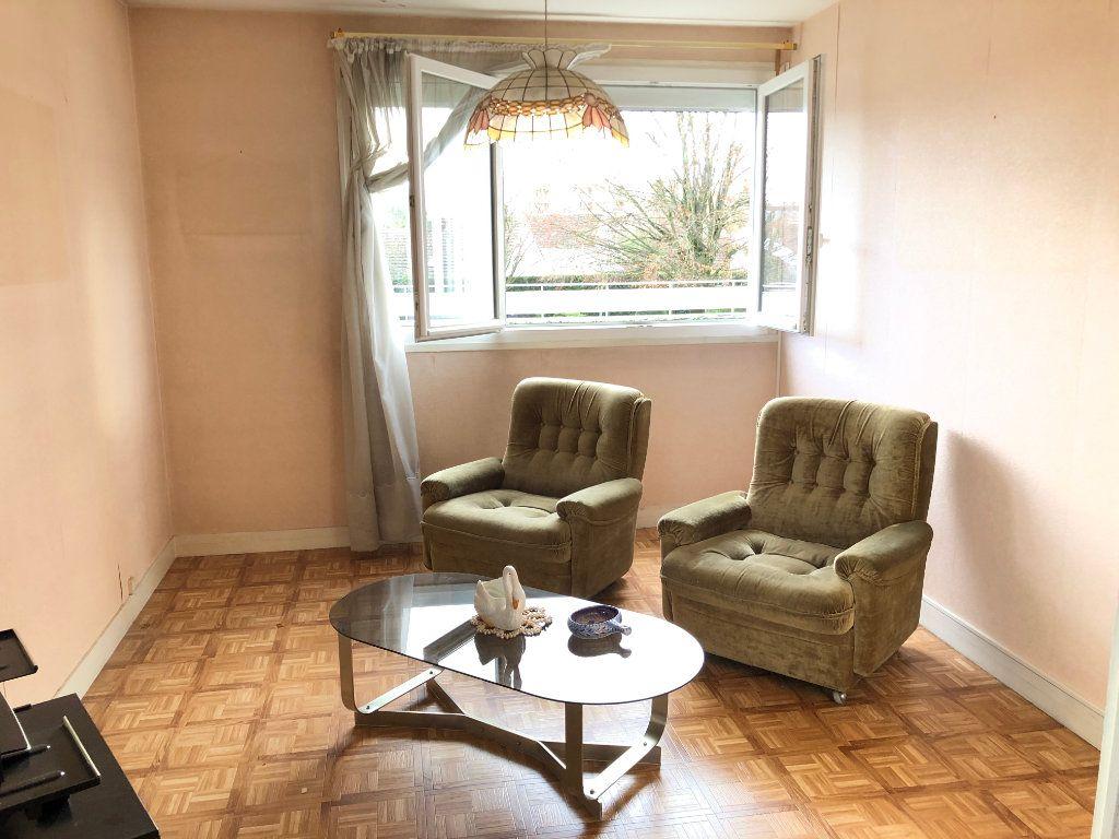 Appartement à vendre 4 78.31m2 à Troyes vignette-3