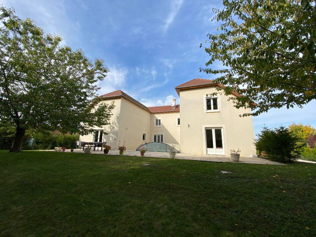 Maison à vendre 10 361.1m2 à Laines-aux-Bois vignette-1
