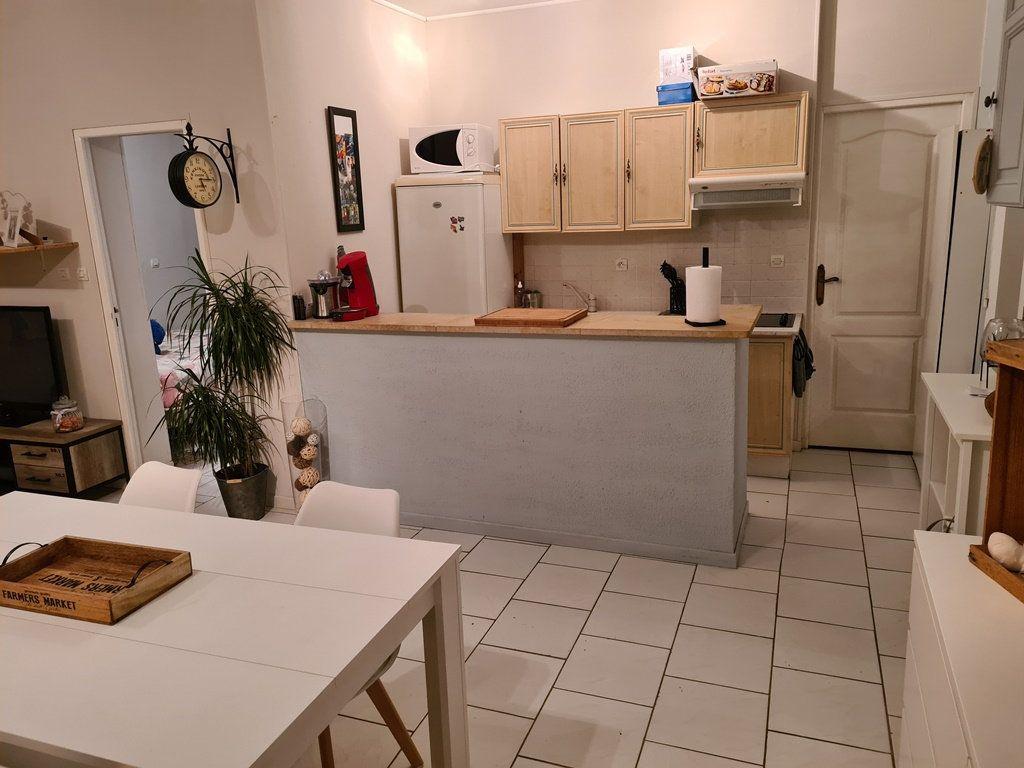 Appartement à vendre 2 49.9m2 à La Chapelle-Saint-Luc vignette-2