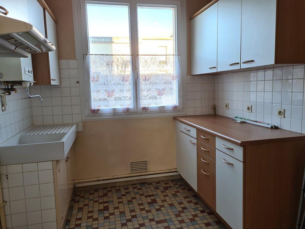 Appartement à vendre 3 53.57m2 à Troyes vignette-2