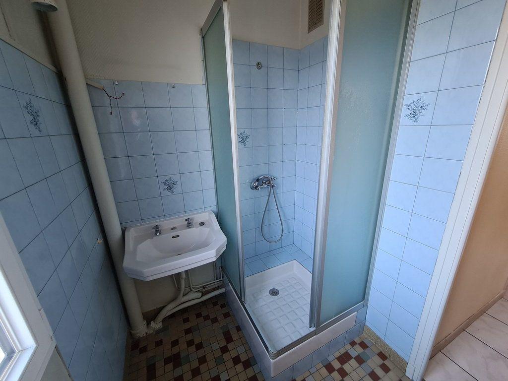 Appartement à vendre 3 53.57m2 à Troyes vignette-7
