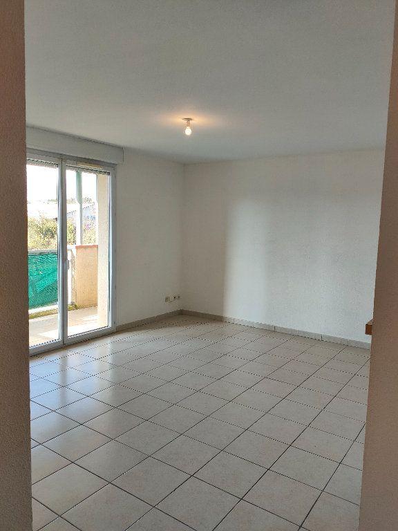 Appartement à louer 3 57.15m2 à Carcassonne vignette-5
