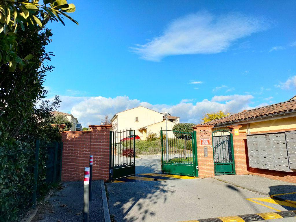Appartement à louer 3 57.15m2 à Carcassonne vignette-12