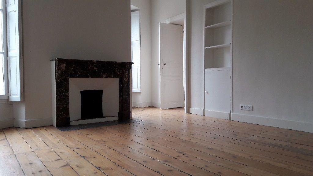 Appartement à louer 4 150m2 à Carcassonne vignette-4