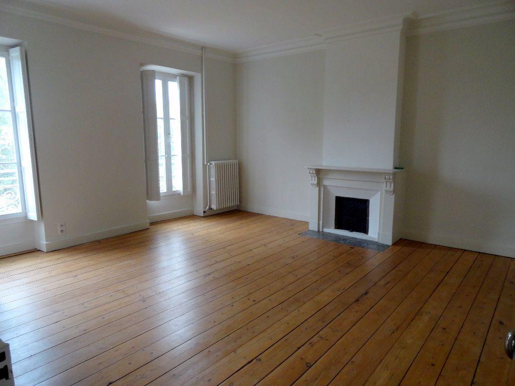 Appartement à louer 4 150m2 à Carcassonne vignette-5