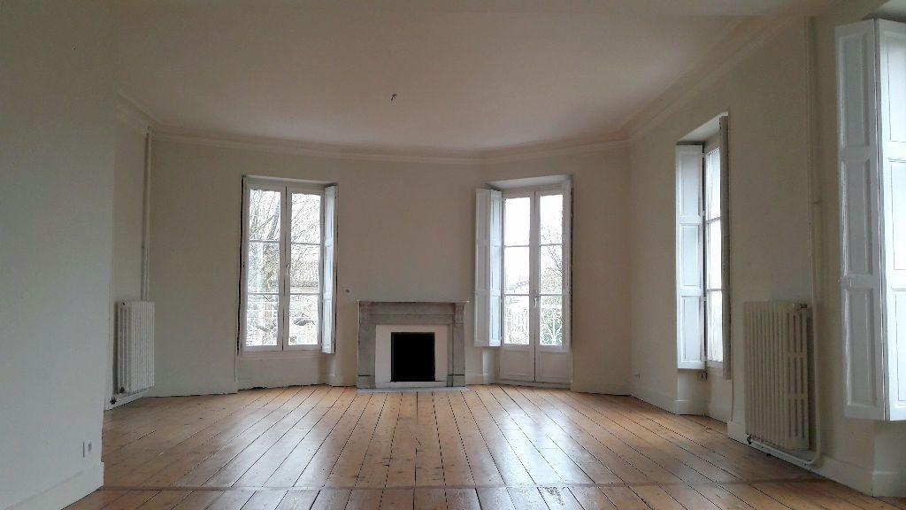 Appartement à louer 4 150m2 à Carcassonne vignette-7