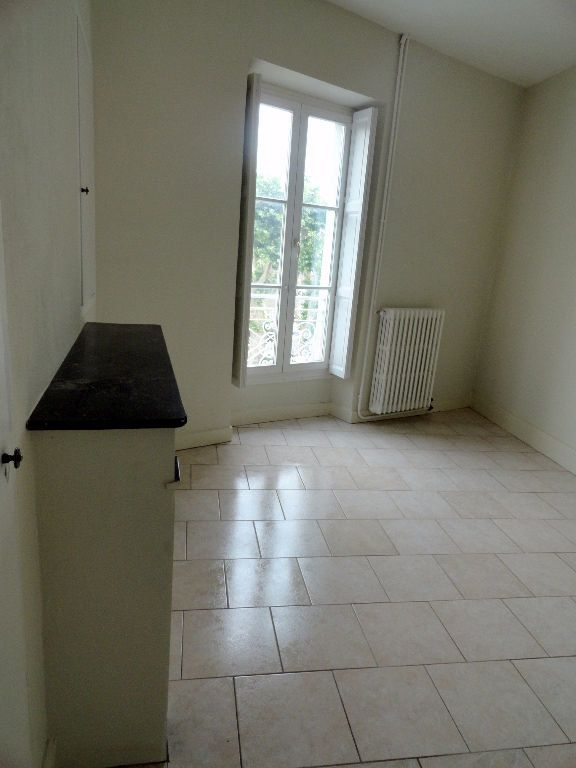 Appartement à louer 4 150m2 à Carcassonne vignette-8