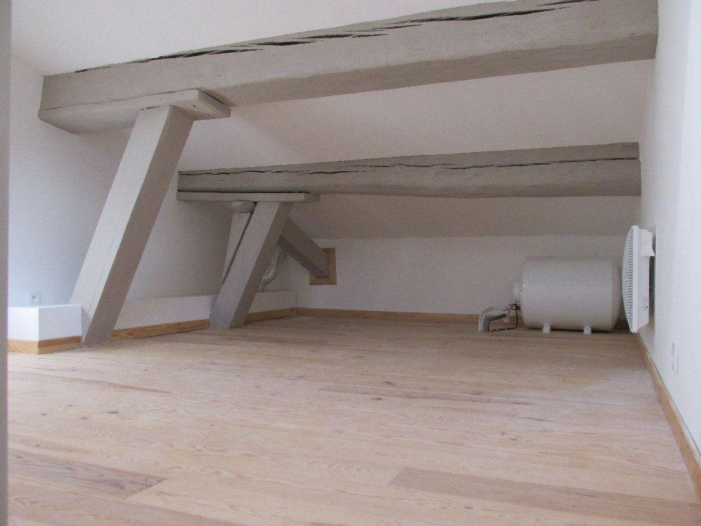 Appartement à louer 1 28m2 à Carcassonne vignette-3