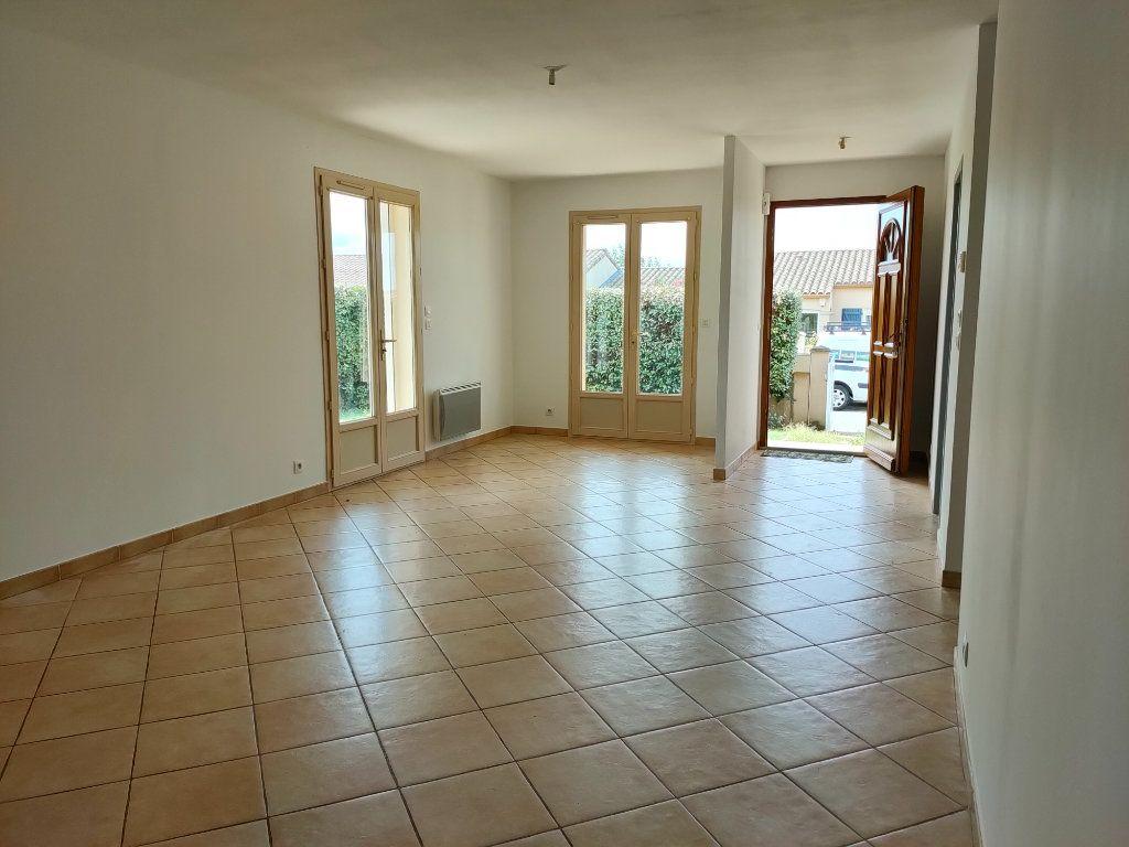 Maison à louer 4 98.23m2 à Leuc vignette-6
