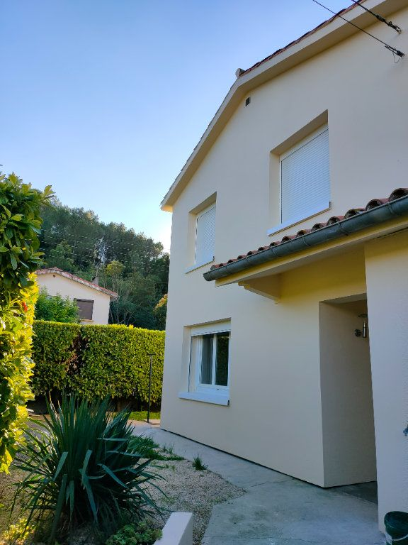 Maison à louer 4 68m2 à Villegailhenc vignette-1