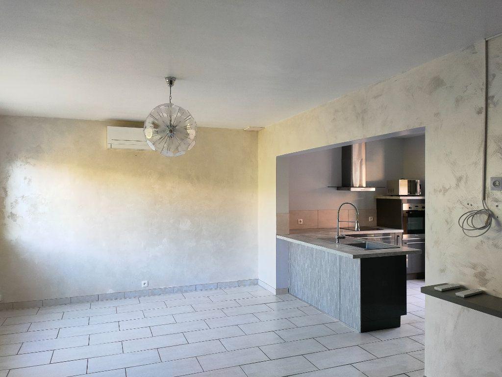Maison à louer 4 68m2 à Villegailhenc vignette-3