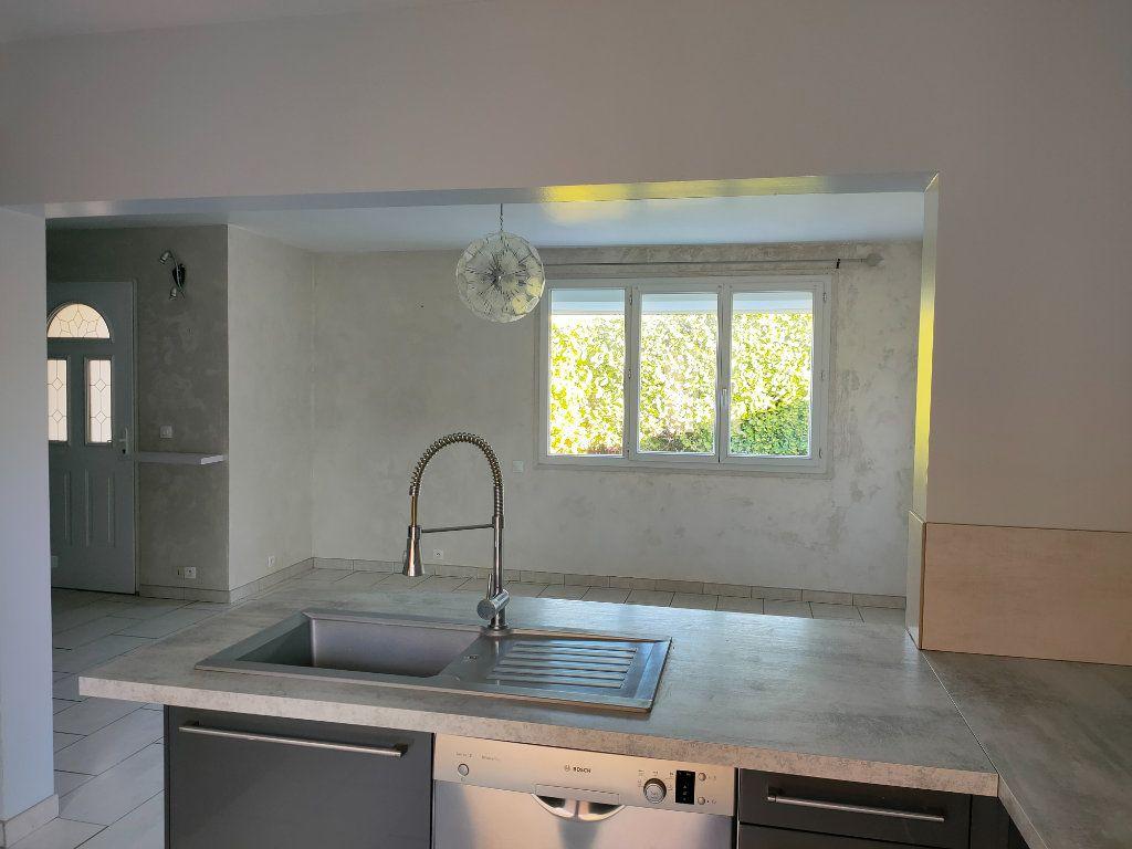 Maison à louer 4 68m2 à Villegailhenc vignette-6