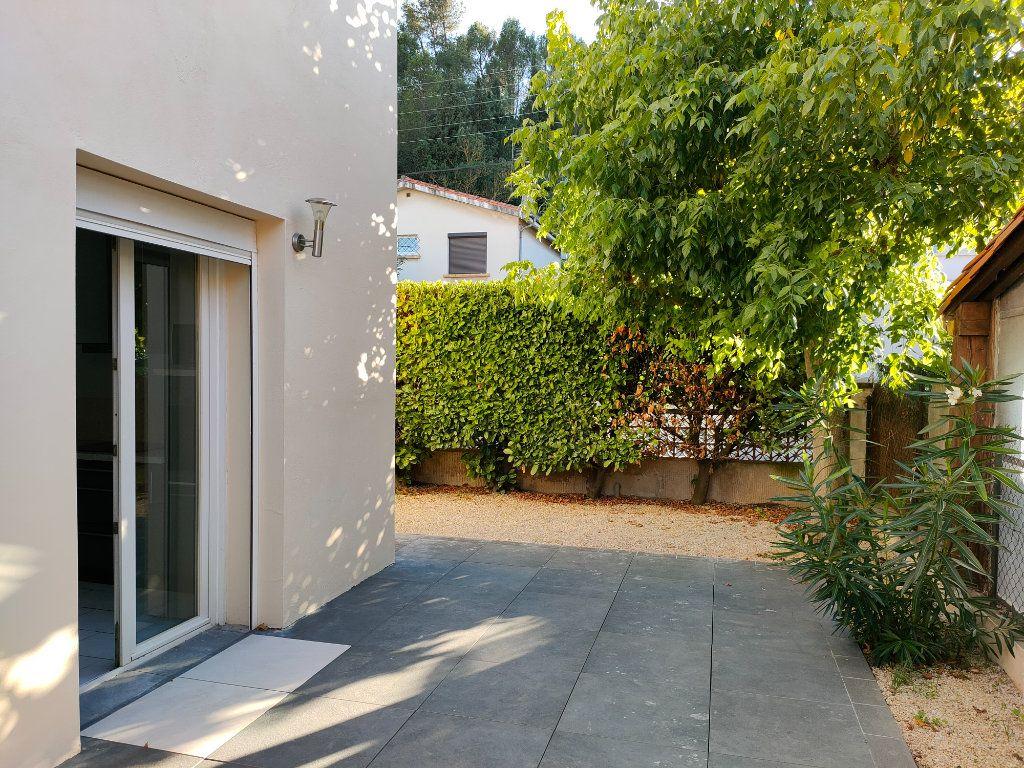 Maison à louer 4 68m2 à Villegailhenc vignette-9