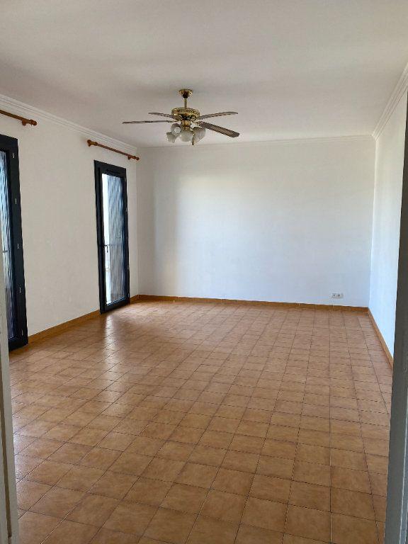 Appartement à louer 3 68m2 à Biguglia vignette-3