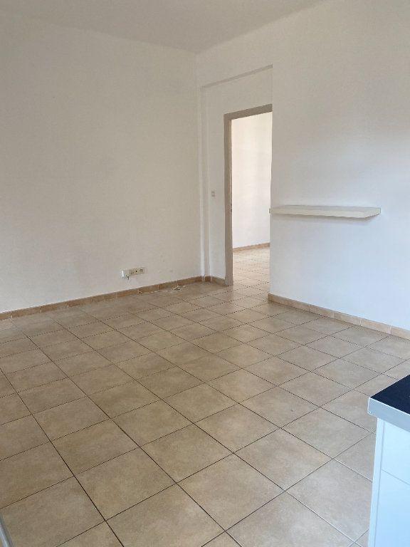 Appartement à louer 3 65m2 à Bastia vignette-5