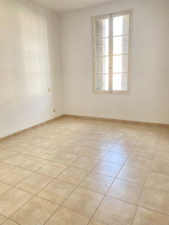 Appartement à louer 3 65m2 à Bastia vignette-6