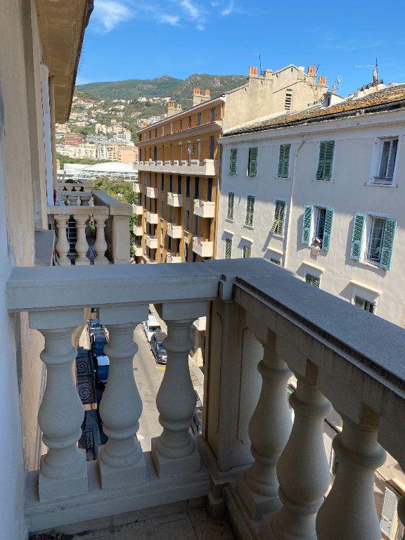 Appartement à louer 3 65m2 à Bastia vignette-9