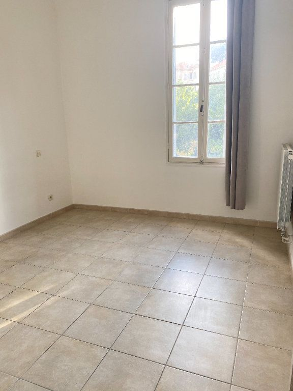 Appartement à louer 3 65m2 à Bastia vignette-10
