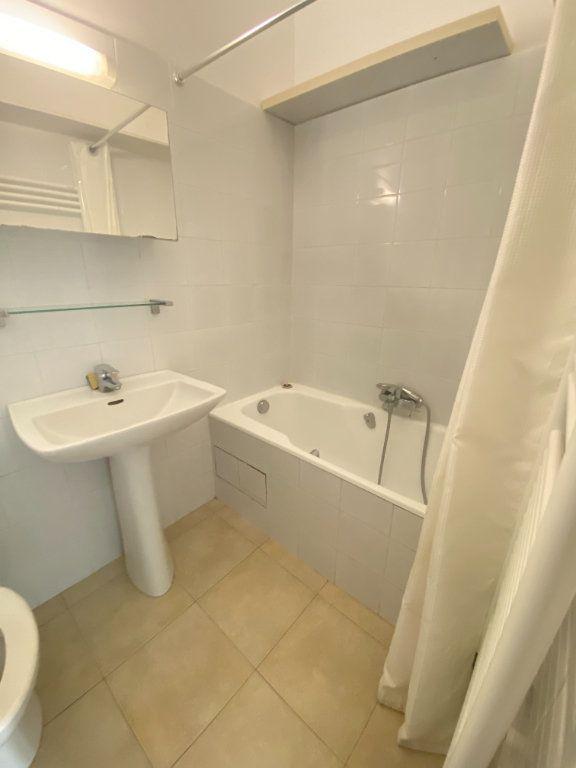 Appartement à louer 3 65m2 à Bastia vignette-11