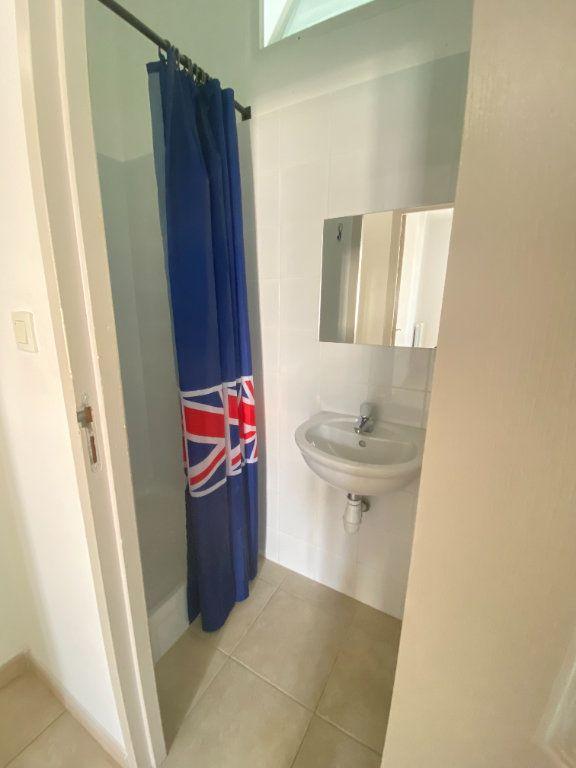 Appartement à louer 3 65m2 à Bastia vignette-12