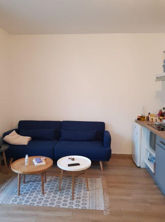 Appartement à louer 2 33m2 à Bastia vignette-4
