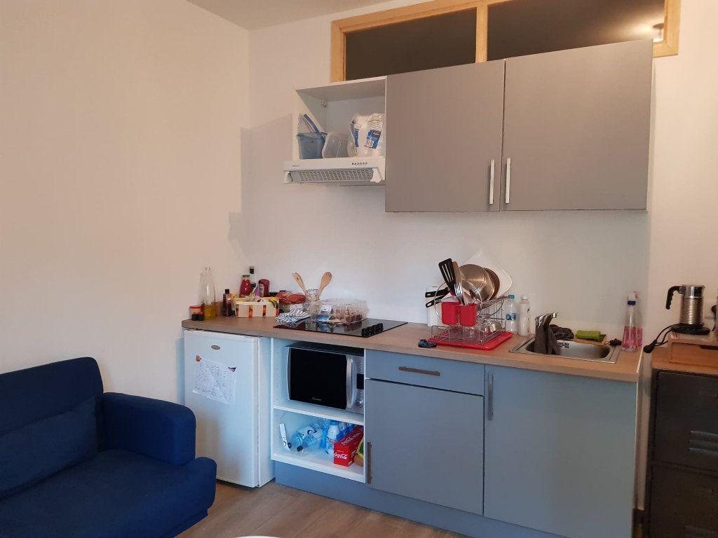Appartement à louer 2 33m2 à Bastia vignette-5
