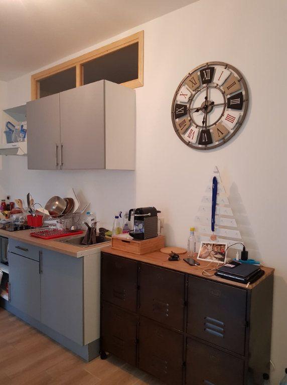 Appartement à louer 2 33m2 à Bastia vignette-6