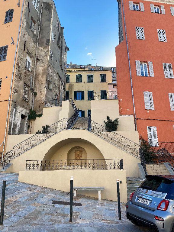 Appartement à vendre 4 91.85m2 à Bastia vignette-1