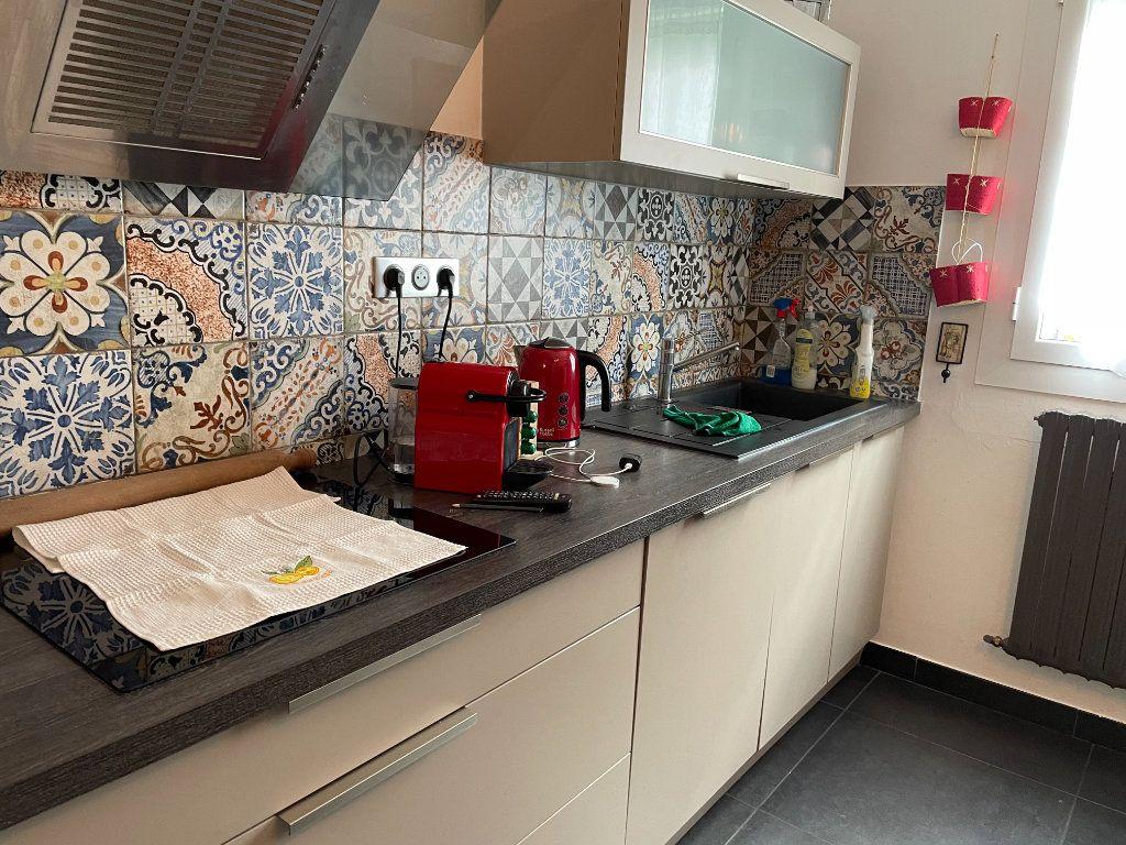 Appartement à vendre 3 104m2 à Bastia vignette-2