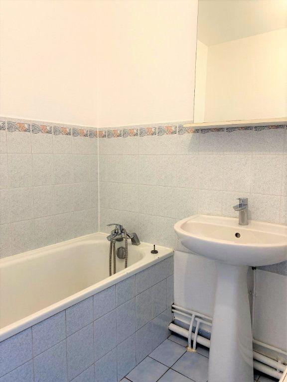 Appartement à louer 4 70.68m2 à Montlhéry vignette-9