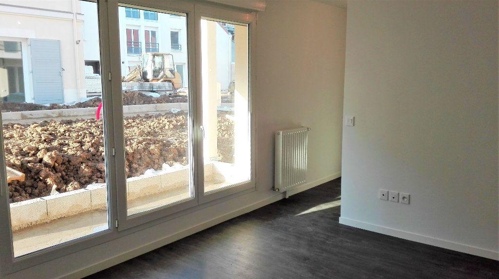 Appartement à louer 1 32.46m2 à Montlhéry vignette-1
