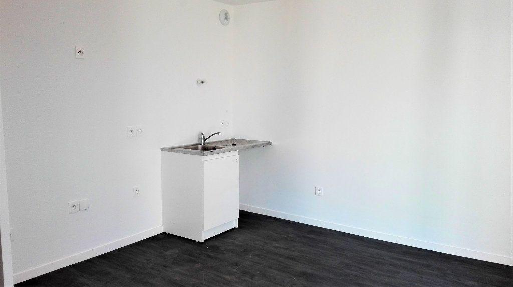 Appartement à louer 1 32.46m2 à Montlhéry vignette-2