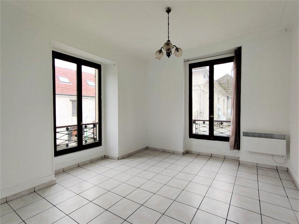 Appartement à louer 2 46.49m2 à Linas vignette-1