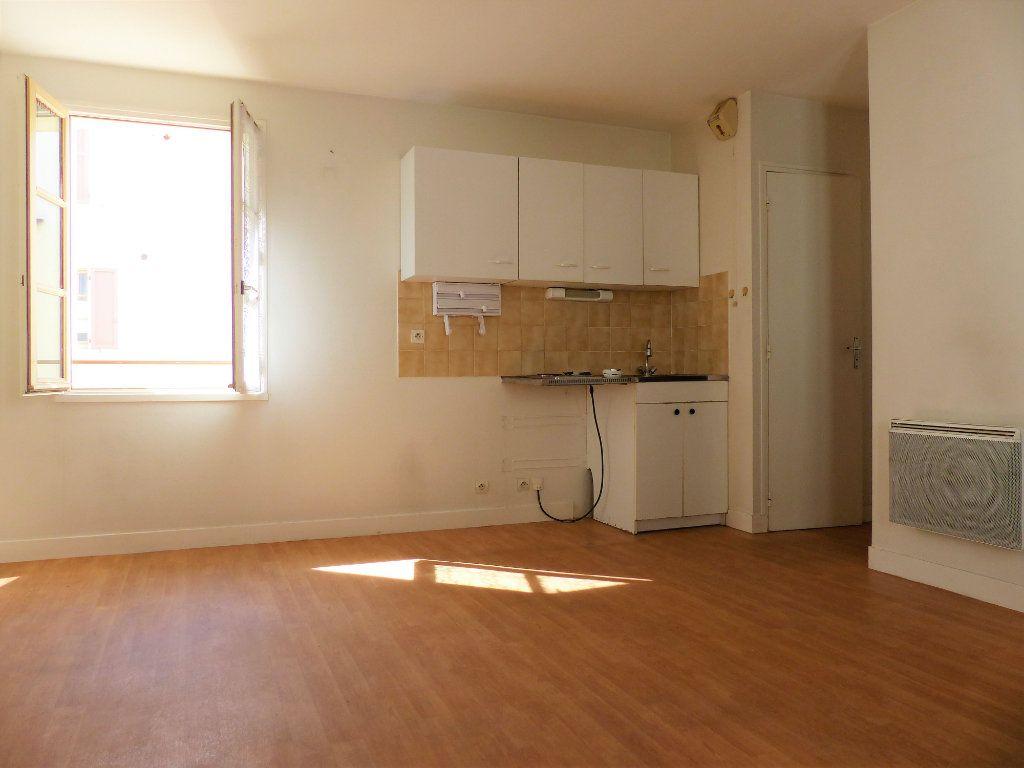 Appartement à louer 2 36m2 à Montlhéry vignette-1