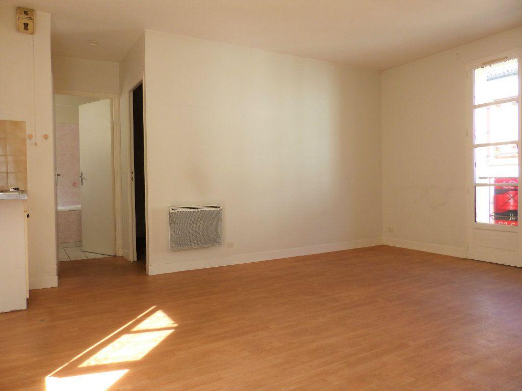 Appartement à louer 2 36m2 à Montlhéry vignette-2