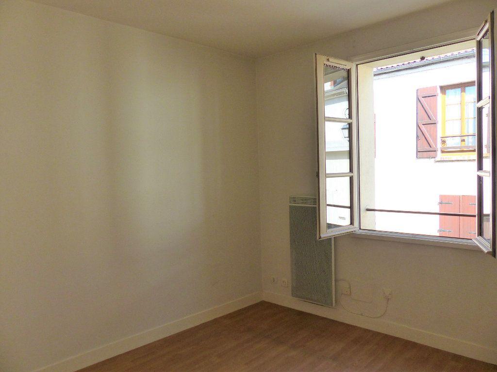 Appartement à louer 2 36m2 à Montlhéry vignette-3