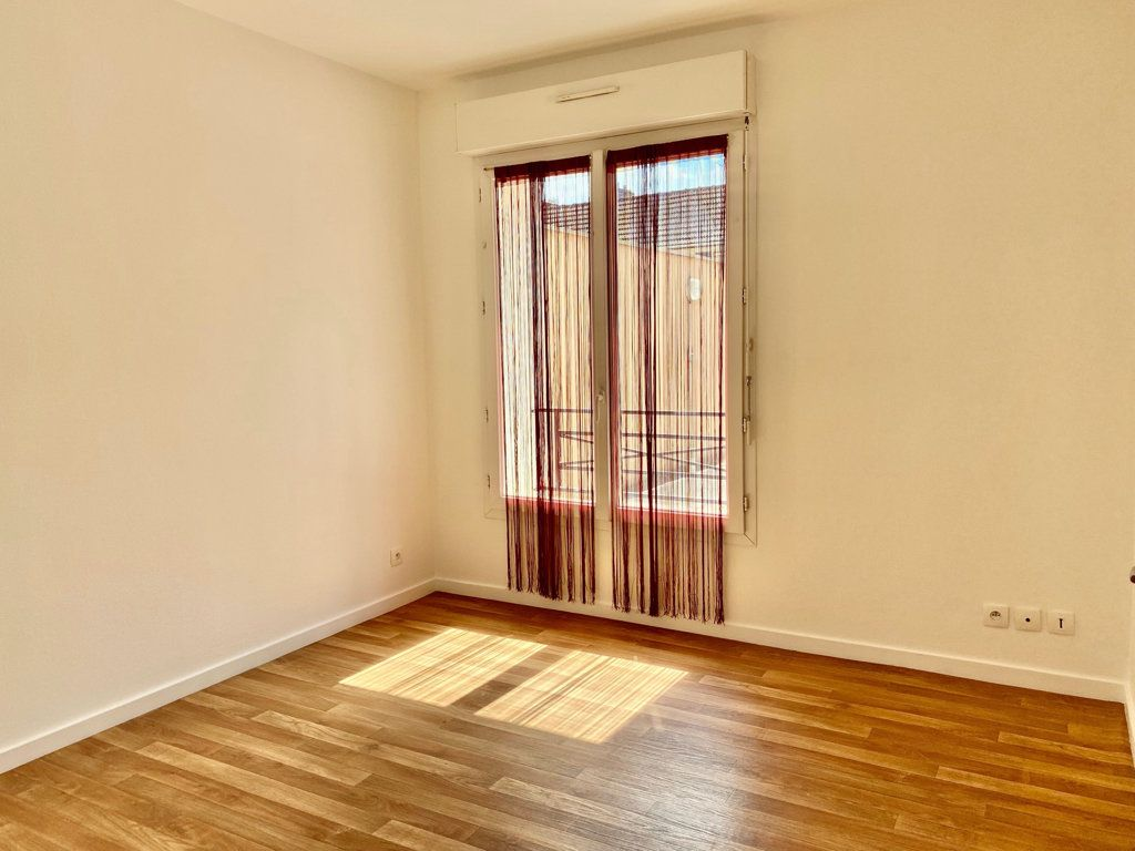 Appartement à louer 2 32m2 à Montlhéry vignette-1
