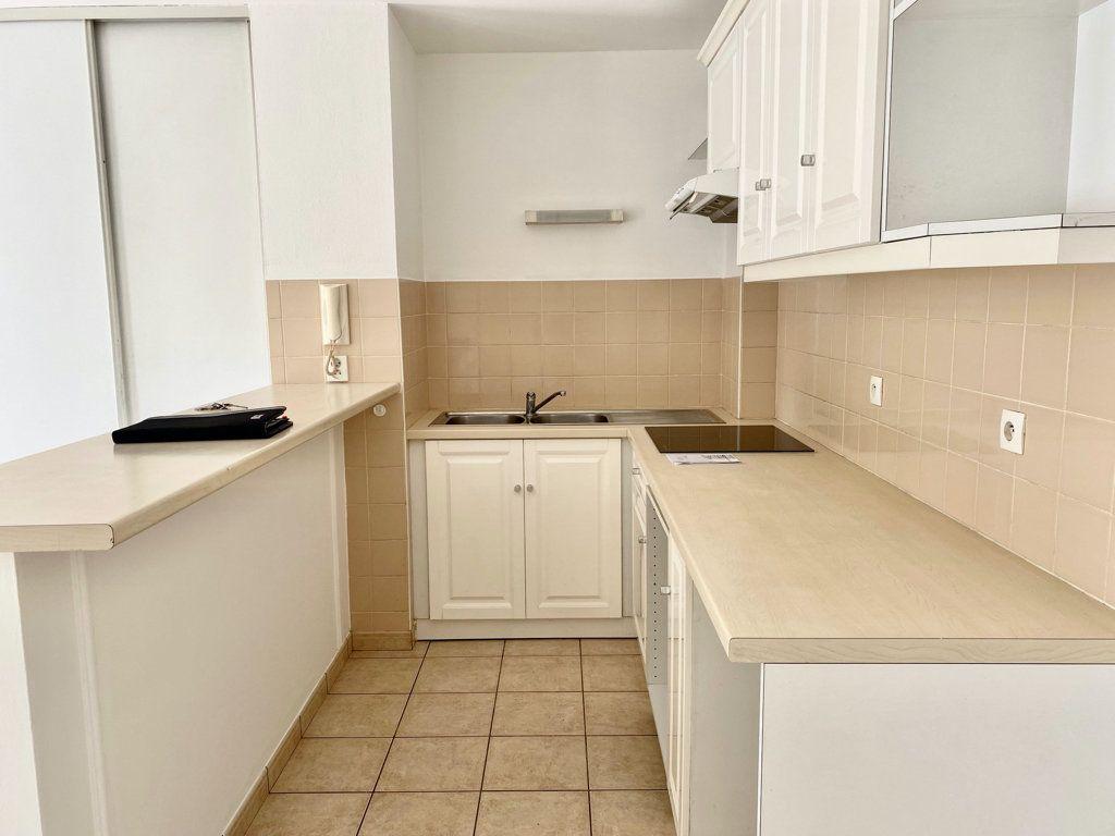 Appartement à louer 2 32m2 à Montlhéry vignette-3