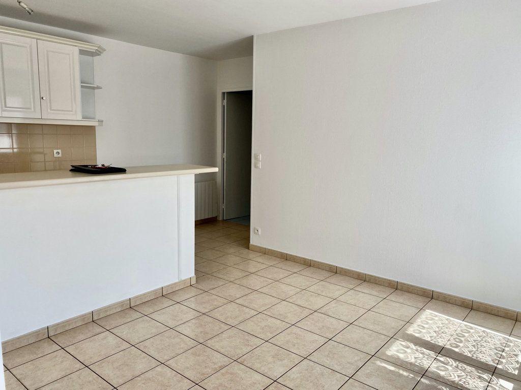 Appartement à louer 2 32m2 à Montlhéry vignette-4