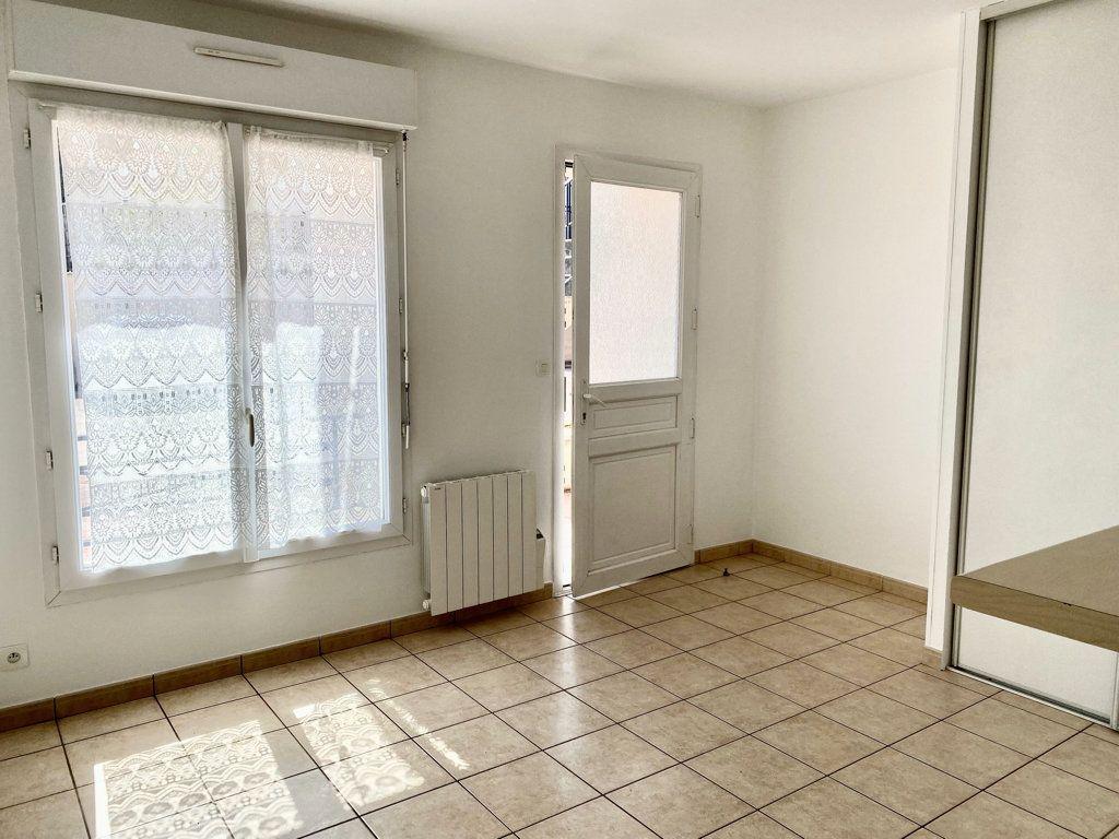 Appartement à louer 2 32m2 à Montlhéry vignette-5