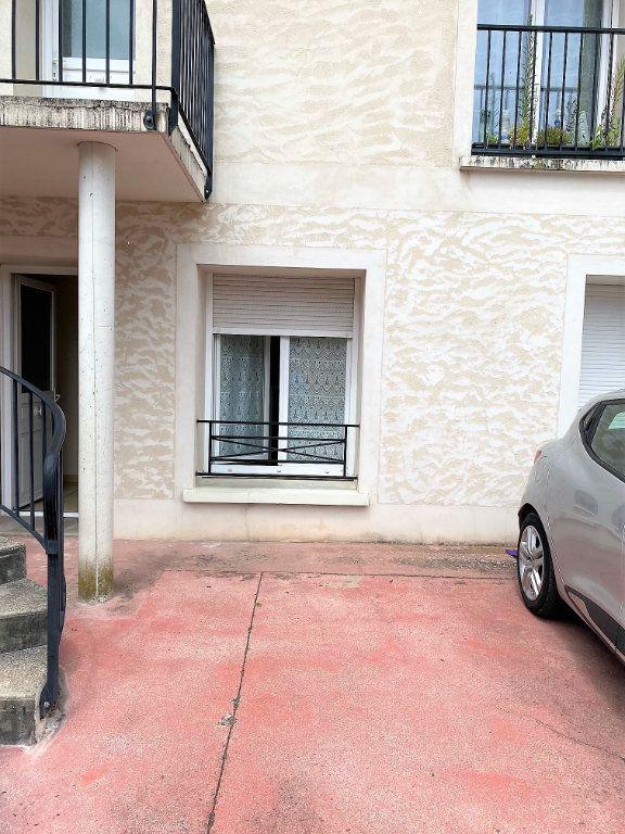 Appartement à louer 2 32m2 à Montlhéry vignette-6